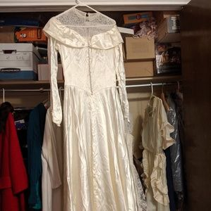 Vintage 1950s wedding gown satin and lace